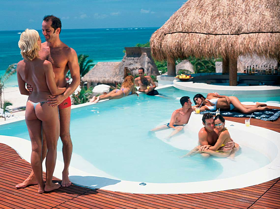 Vacation club for swinger's