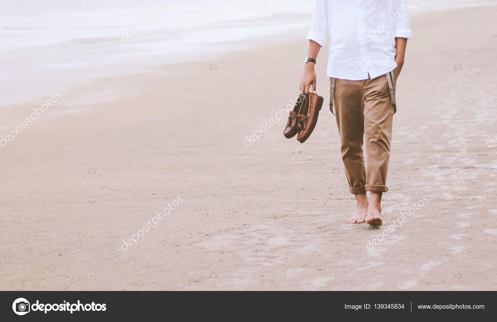 Hombre solo en la playa putas online La Palma-65756