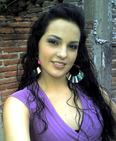 Mujer soltera mexicana una noche sexo Vigo-18529