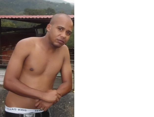 Quiero conocer chicas de las tunas Cuba menina anal Braga-3226