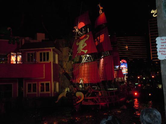 Treasure island casino show de piratas blackfoot-52042